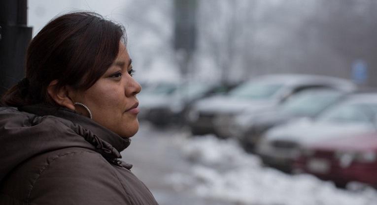 Guatemalalainen Ruby Coy Quej, 26, oli helmikuun alussa Suomessa Yhteisvastuukeräyksen ja Kirkon Ulkomaanavun vieraana. Yhteisvastuukeräys tukee alkuperäiskansoihin kuuluvien naisten ja nuorten osallistumista päätöksentekoon. Kuva: Ville Asikainen