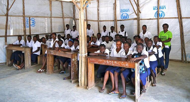 Tyttöjen Klubi kokoaa Bahnin pakolaisleirin yläkoulun tytöt yhteen.
