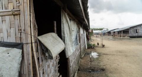 Bamboo houses at Ohn Taw Gyi South IDP camp in Myanmar