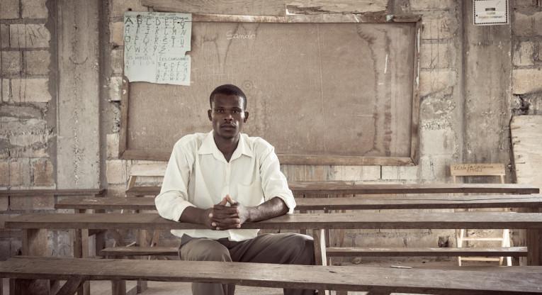 Haitilainen opettaja Jean Britus.