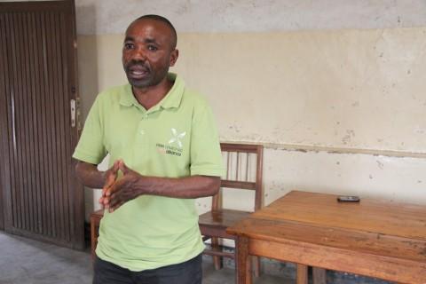 Marc Balekage kiertää kaksi kertaa vuodessa Kongon demokraattisen tasavallan itäosia kouluttamassa Kirkon Ulkomaanavun tukemia säästö- ja lainaryhmiä.