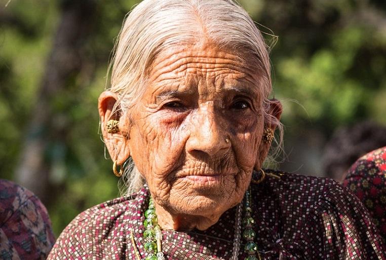 Isoisoäiti Rudhasa Kumari, 85, koki myös Nepalin edellisen, vuoden 1934 maanjäristyksen. Hän oli tosin niin nuori, ettei muista siitä paljoakaan.