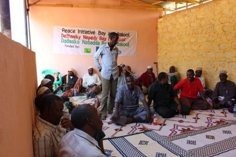Kirkon Ulkomaanapu järjesti somalialaisen yhteistyökumppaninsa rauhankomitean tapaamisen loppuvuodesta. Sen ansioista Manaasin alueella saatiin myöhemmin tulitauko. Kuva: Ali Ibrahim