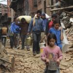 Kehitysyhteistyövarojen leikkaukset tarkoittavat samalla leikkauksia myös humanitaariseen apuun. Nepalin huhtikuisen maanjäristyksen jälleenrakennus tulee viemään vuosia. Kuva: ACT/Christian Aid/Yeeshu Shukla.