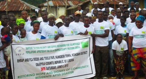 Yhteensä 250 perhettä sai siemeniä ja työkaluja Liberiassa. Kuva: Emmanuel Sandi.