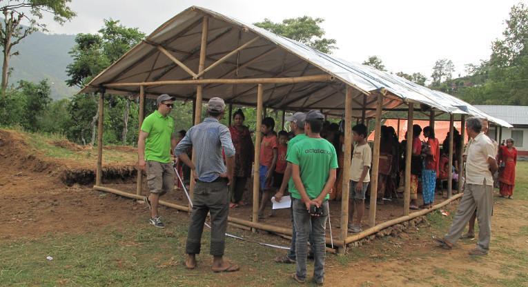 Narayanin väliaikaisen koulun runko ja katto olivat valmiina toukokuun lopussa Nepalissa. Kuva: Johanna Kurki.