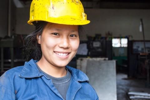 Rita Balampaki on valmistunut metallityöntekijäksi Kirkon ulkomaanavun tukemasta nepalilaisesta Sano Thimi Technical School -ammattikoulusta. Hän haluaa murtaa nepalilaisten ennakkoluuloja siitä, mitkä ovat naisten ja miesten töitä.