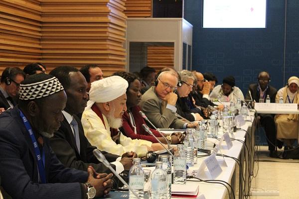 Sheikh Abdallah Bin Bayyah during the closing remarks.