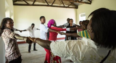 De kongolesiska ungdomar som blivit antagna tll yrkesskolan är mycket ivriga över studierna och skärskilt över möjligheten att få utföra yrkespraktik.