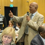 """""""Koulutus on tärkeässä roolissa, kun puhutaan yhteiskunnallisesta oikeudenmukaisuudesta"""", sanoi Eritrean opetusministeri Semere Russom keskiviikon """"Reaching Quality Education Together – Vision for Finnish-Eritrean Cooperation"""" -seminaarissa. Vasemmalla CIMOn korkeakouluyhteistyöstä vastaava asiantuntija Annika Sundbäck-Lindroos. Kuva: Ville Asikainen /Kirkon Ulkomaanapu."""