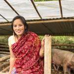 Ganga Tamang har en egen grisfarm. Hon säger att hon via Kvinnobanken har fått färdigheter, självförtroende och en gemenskap.
