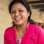 Aluksi kyläläiset ja jopa oma aviomies kritisoivat Laxmi Shresthan matokompostia. Nyt se tuo perheelle tuloja. Kuva: Ville Asikainen