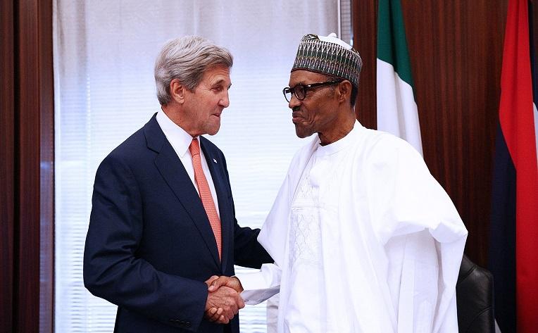 Nigerian presidentti Muhammadu Buhari keskusteli Yhdysvaltain ulkoministerin John Kerryn kanssa äärijärjestö Boko Haramista ja sen vastaisista toimista elokuun lopussa Nigeriassa. Kuva: Philip Ojisua/AFP