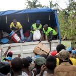 Hätäapua jaetaan Saut Maturinissa. Kirkon Ulkomaanapu on jakanut yli 2 000 ruokapakettia Haitissa.