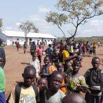 Bidibidin pakolaisasutusalueesta on YK:n mukaan tullut lyhyessä ajassa yksi maailman suurimmista. Kirkon Ulkomaanapu aloittaa luokkahuoneiden rakentamisen tässä Bidibidin koulussa joulukuussa. Kuva: Kaisa Huhtela