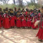 Turkanan ja Pokotin alueen heimot kokoontuivat juhlistamaan 18 väkivallatonta kuukautta tanssien ja laulaen. syyskuun lopussa. kuva: John Bongei