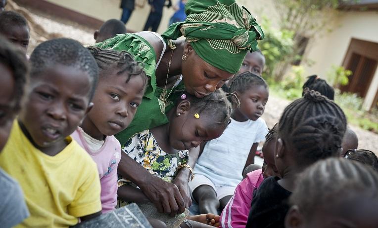 Kirkon Ulkomaanapu mahdollisti yli 50 000 lapsen koulunkäynnin Keski-Afrikan tasavallassa 2016. Kuva: Catianne Tijerina