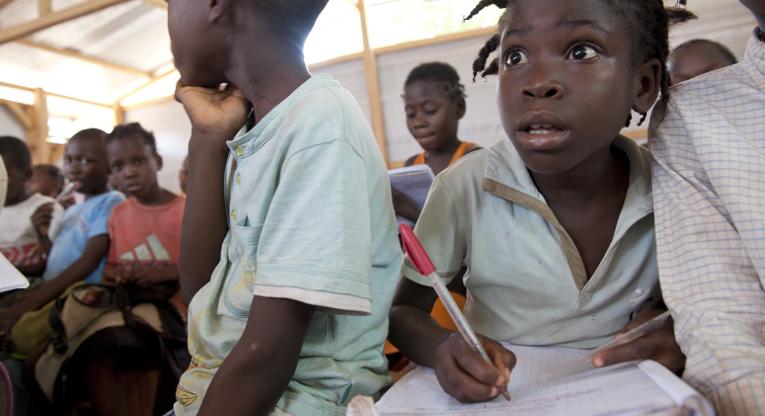 Keski-Afrikan tasavallassa 50136 lasta pääsi kouluun Ulkomaanavun työn ansiosta.