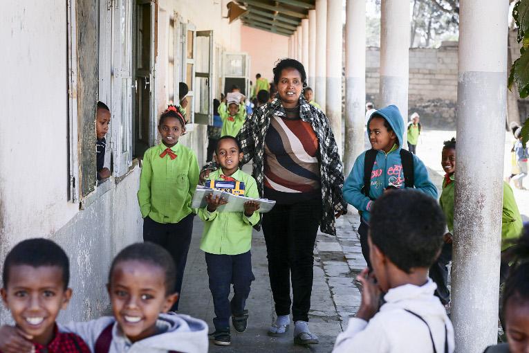 Sewran alalkoulutn oppilaita Asmarassa.