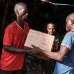 Koulutarvikkeiden jakoa Keski-Afrikan tasavalta