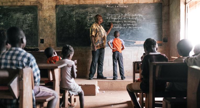 Opettajilla on tärkeä rooli maailmanlaajuisen ...  Opettajilla on ...