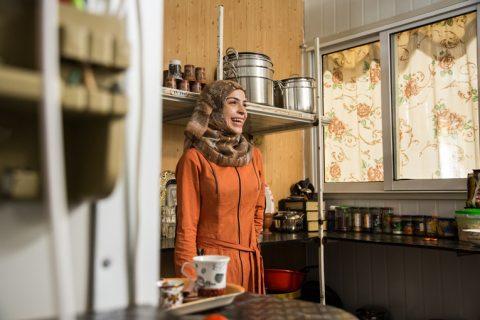 Vuosi sitten Fatima Hariri, 21, kertoi, kuinka Kirkon Ulkomaanavun (KUA) sirkuskoulu palautti hänen itseluottamuksensa avioeron ja sodan kauheuksien jälkeen.