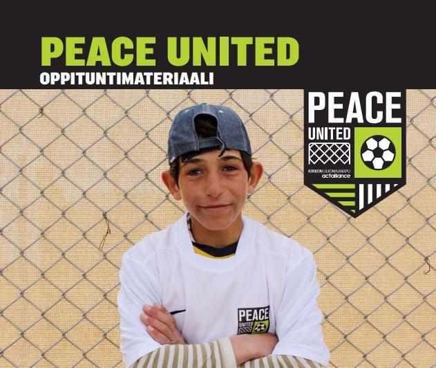 Peace United -materiaalin kannessa poika lippalakissa.