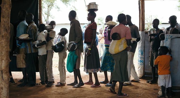 Etelä-Sudanista saapuneita pakolaisia Omugon pakolaisasutusalueella Pohjois-Ugandassa. Yhteisvastuu 2018 torjuu nälkää ja köyhyyttä maailman katastrofialueilla ja Suomessa.