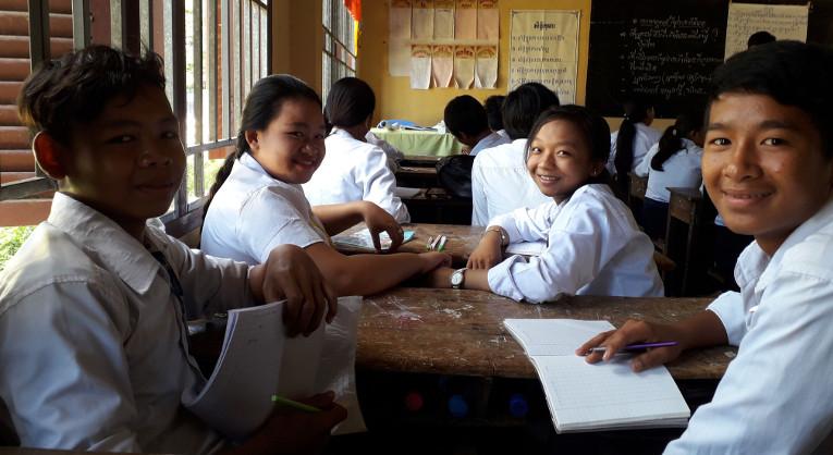 KUA:n opinto-ohjaus lisää koulutuksen laatua Kambodžassa.