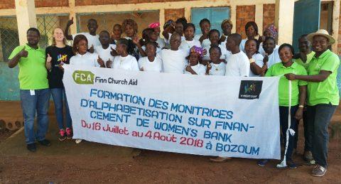 Anna Koskivuo oli Opettajat ilman rajoja -vapaaehtoisena antamassa lukutaitokoulutusta Keski-Afrikan tasavallassa