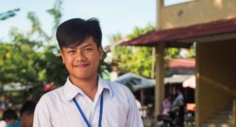 Kambodzassa opinto-ohjaus tukee nuoren väestön koulutusta