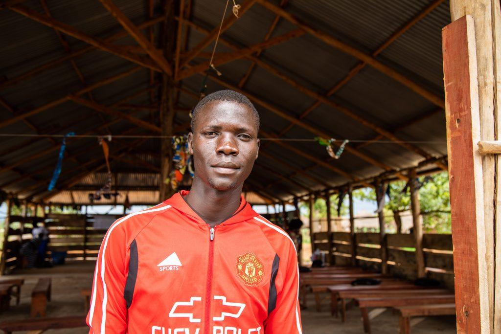 KUA:n yrittäjyyskoulutuksessa opiskeleva Jamal Bakole työskentelee veljensä yrityksessä, joka myy varaosia moottoripyöriin, mutta unelmoi omasta päivittäistavarakaupasta.