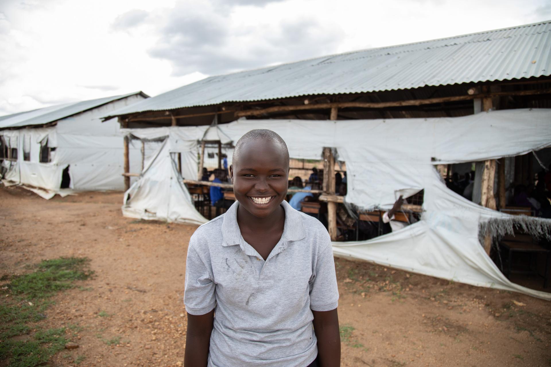 KUA tukee tyttöjen koulutusta Bidibidin pakolaisasutusalueella Ugandassa.