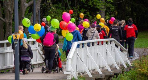 Syyskuussa 10. kertaa järjestetty Naisten Pankin hyväntekeväisyyskävely rikkoi juhlavuotenaan kaikki ennätykset.