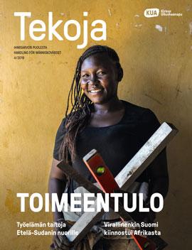 Tekoja-lehti 4/2019, jonka kannessa afrikkalainen nainen rakennustyökalujen kanssa.