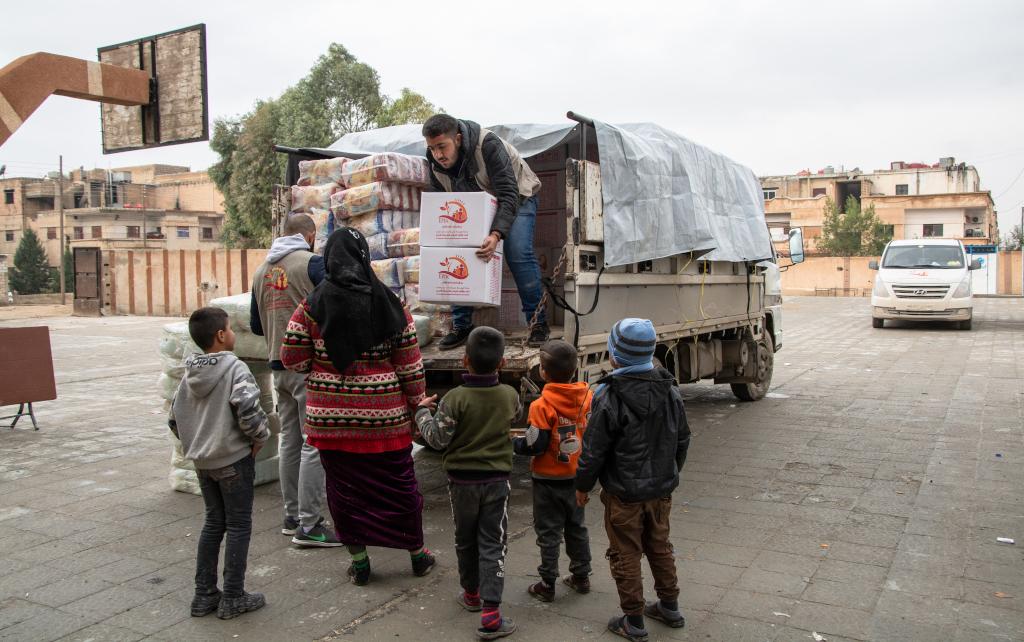 Kirkon Ulkomaanavun syyrialainen kirkollinen kumppanijärjestö on talven aikana toimittanut avustustarvikkeita Koillis-Syyrian pakolaisleireille.