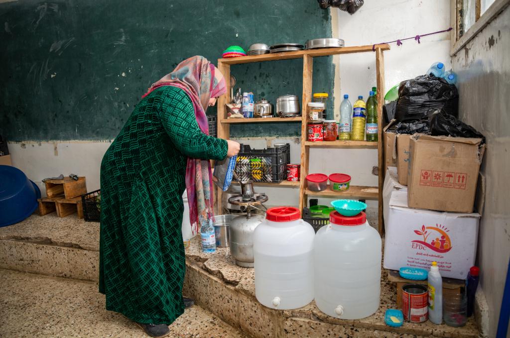 Mariam al-Issan perhe on lokakuusta majoittunut Ismael Toqanin pakolaiskeskuksessa Hasakan kaupungissa Koillis-Syyriassa.