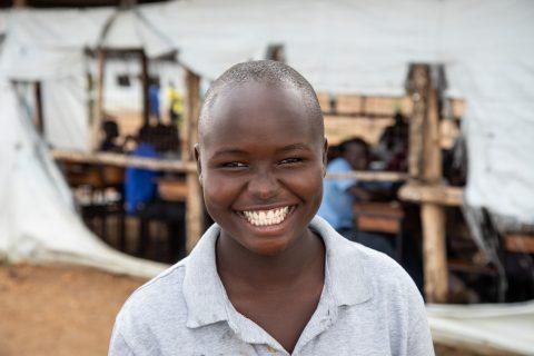Eteläsudanilainen Sophie käy Koro Highland Secondary -koulua Ugandan Bidibidissä.