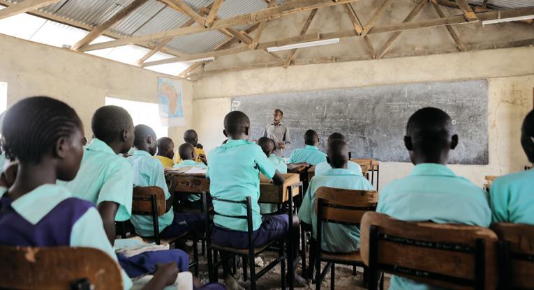 Oppitunti on käynnissä Silvian koulussa Pohjois-Keniassa.