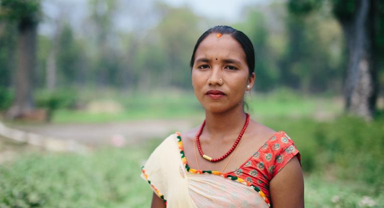 Potrettikuva nepalilaisesta naisesta.