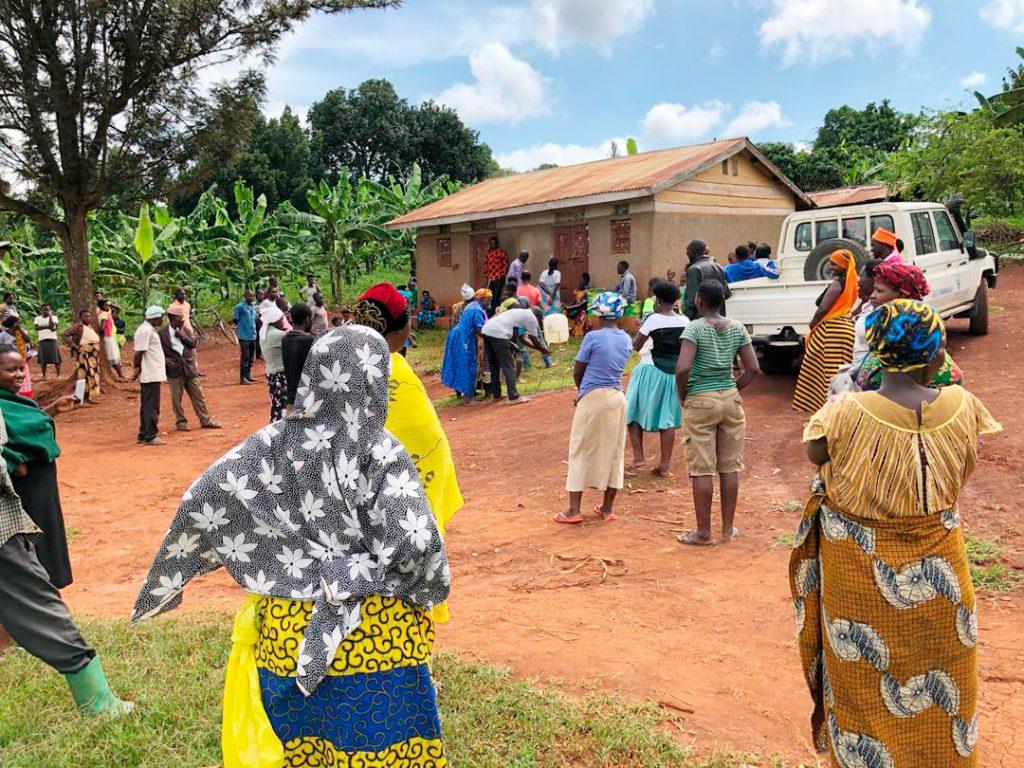 Saippuaa jaettiin Kirkon Ulkomaanavun koronaviruksen vastaisessa hankkeessa Rwamwanjan pakolaisasutusalueella Ugandassa.