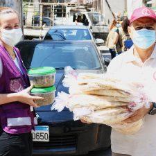 Norjan Ulkomaanapu jakaa ruokaa Beirutin räjähdyksestä kärsiville. Kuvaaja: Norwegian Church Aid/Joakim Elli.