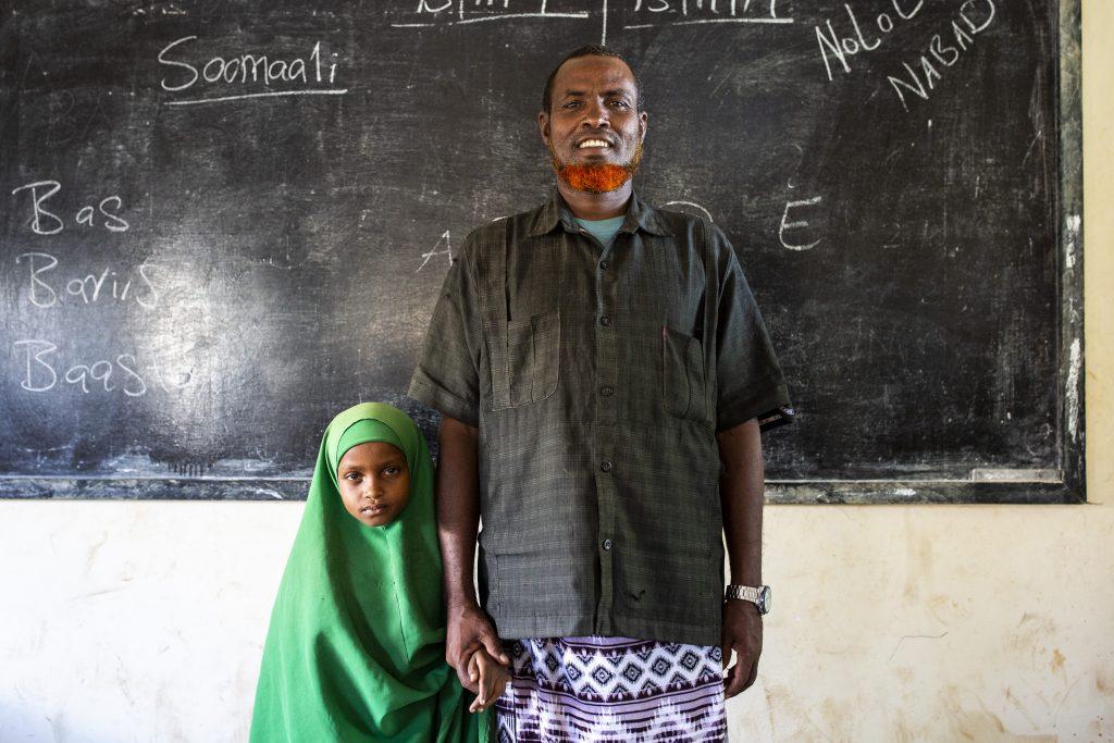 Abdibakir Abdinur Aden ja hänen tyttärensä Falhadoon