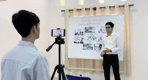"""Kambodžassa koulut sulkeutuivat, mutta opinto-ohjaus jatkuu – """"Etäopiskelun järjestäminen on ollut palkitsevaa"""""""