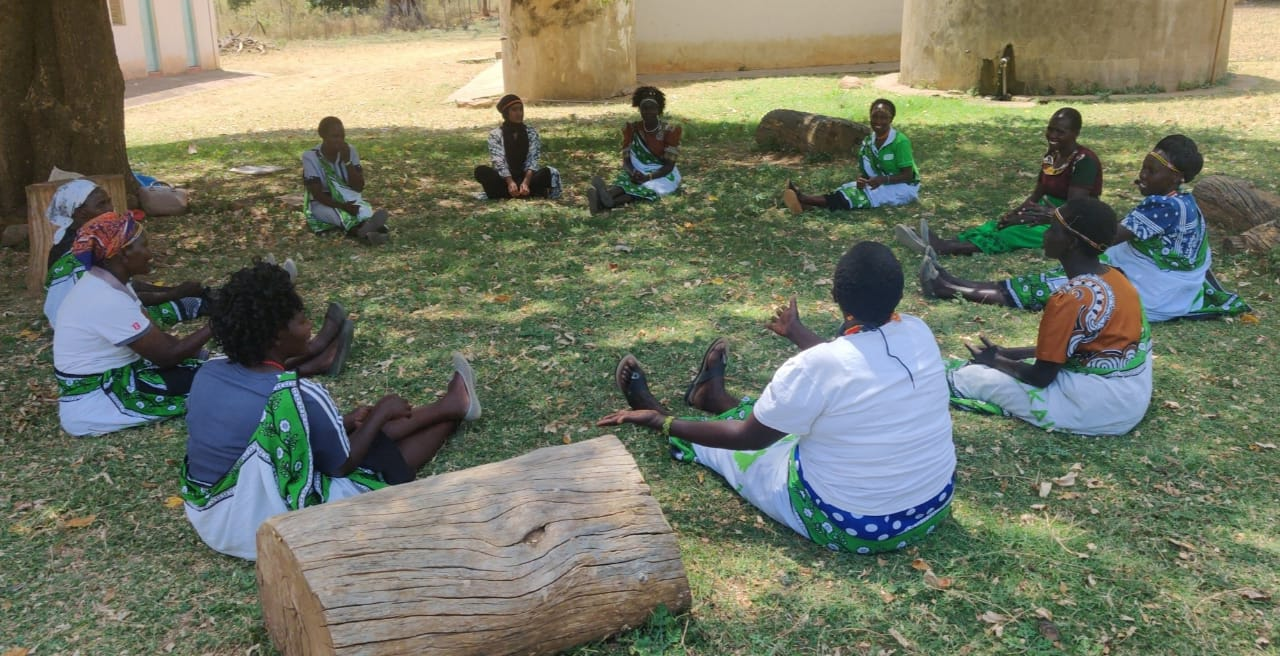 The talking circles connect women from the neighbouring communities of Elgeyo Marakwet and West Pokot. Issues, such as water scarcity and cattle theft, have sparked violence in this area of Kenya.